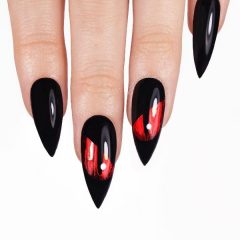 red-eyes-halloween-nail-design