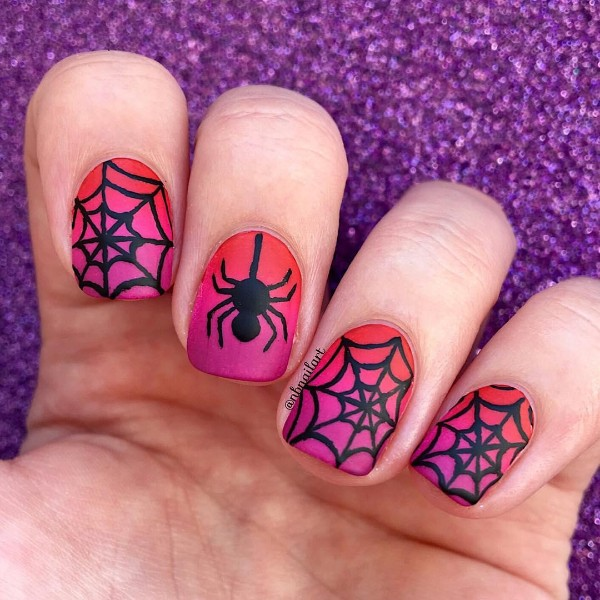 spider-web-halloween-nails