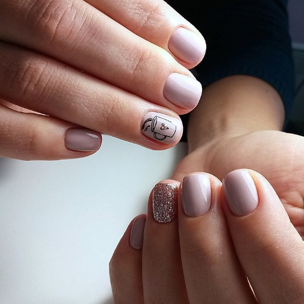 vinails_nude-pink-nails-with-coffee-themed-design