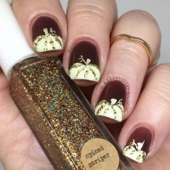 wine-nails-with-white-pumpkins