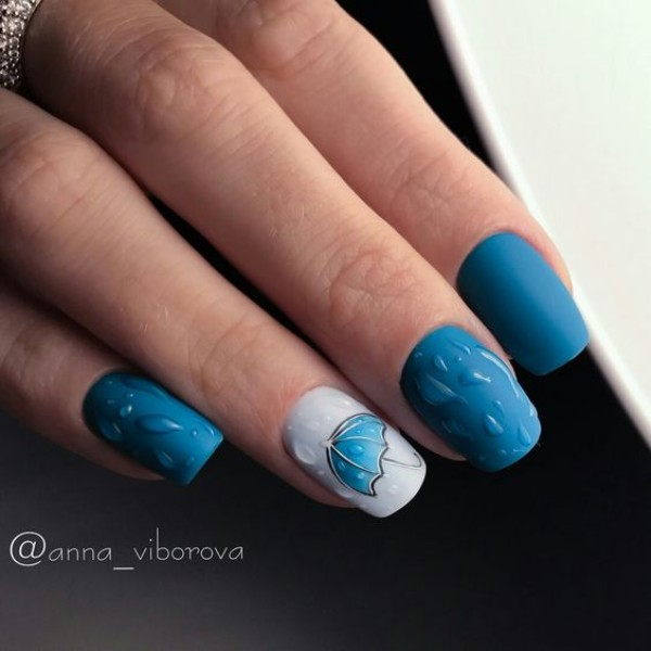 blue-fall-ombre-nails