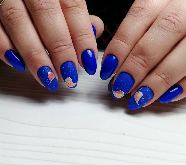 bright-blue-fall-nails-with-raindrops