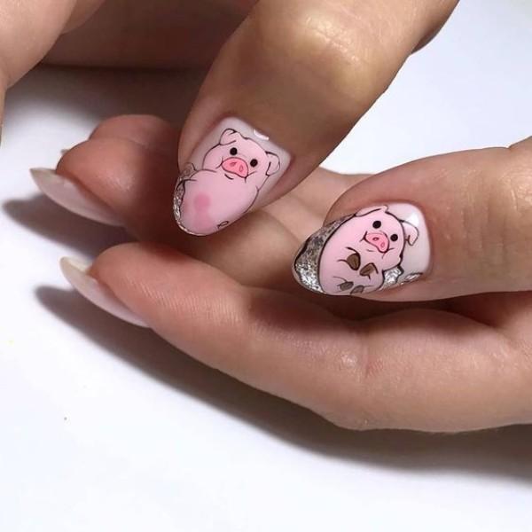 cute-pig-manicure