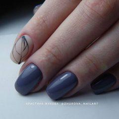 denim-blue-autumn-leaves-nail-design