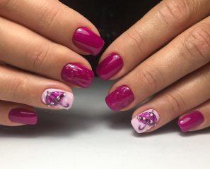 fall-fuchsia-pink-nails-with-raindrops-and-umbrella