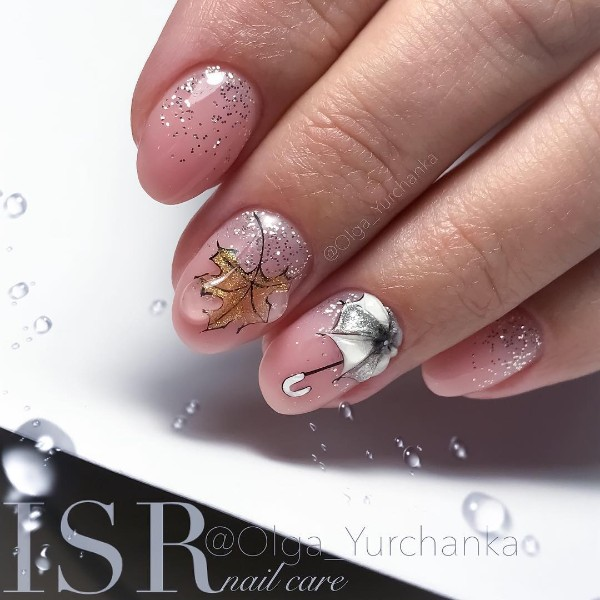 fall-gel-nails-with-umbrella