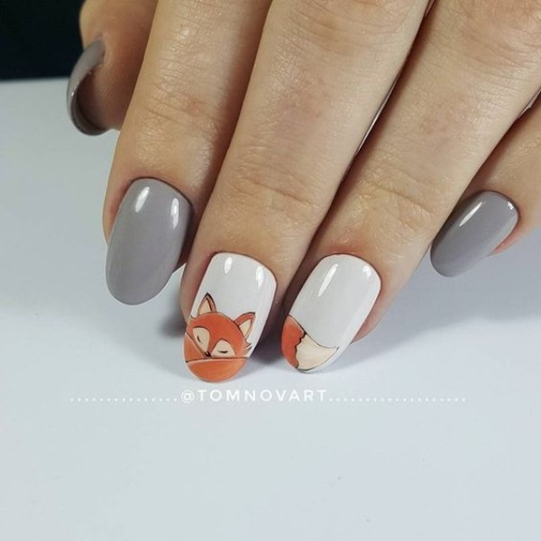 gray-n-white-fall-fox-nails
