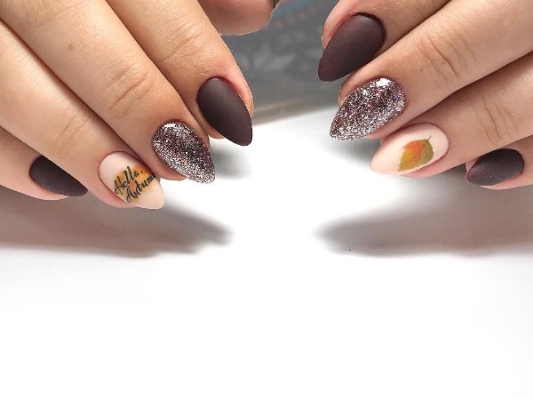 hello-autumn-nail-design