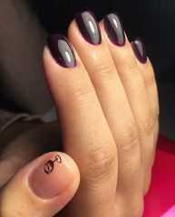 dark plum nails with glass of wine art