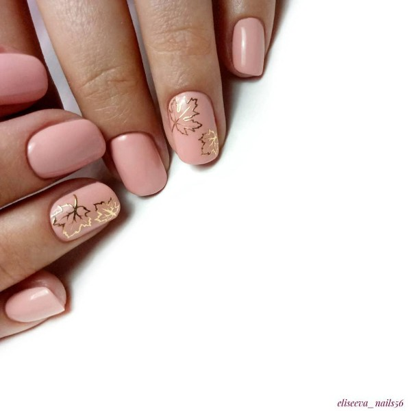 nude-fall-nails-with-golden-leaves