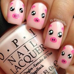 pink-pigs-on-square-nails