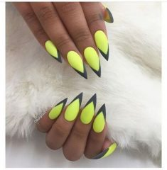 sharp stiletto long black and yellow nails