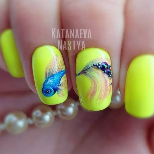yellow nails with fish