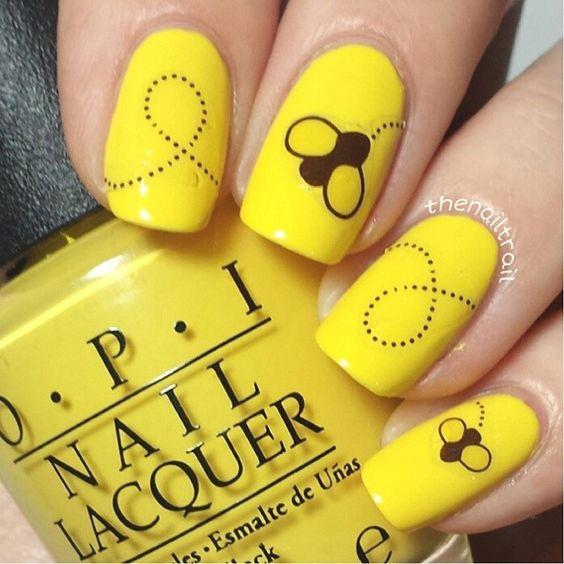 bee nail design