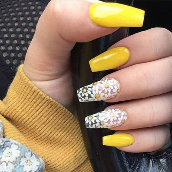 chamomile yellow acrylic nails