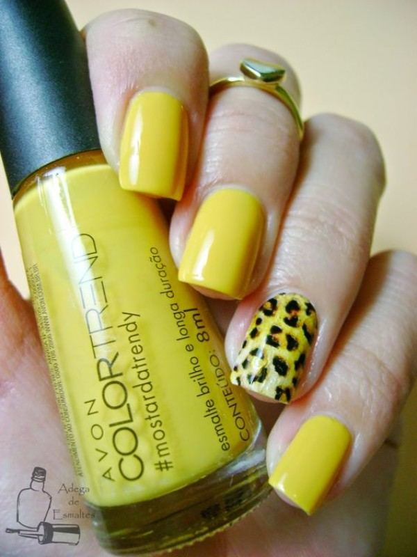 yellow leopard nails with a nail sticker