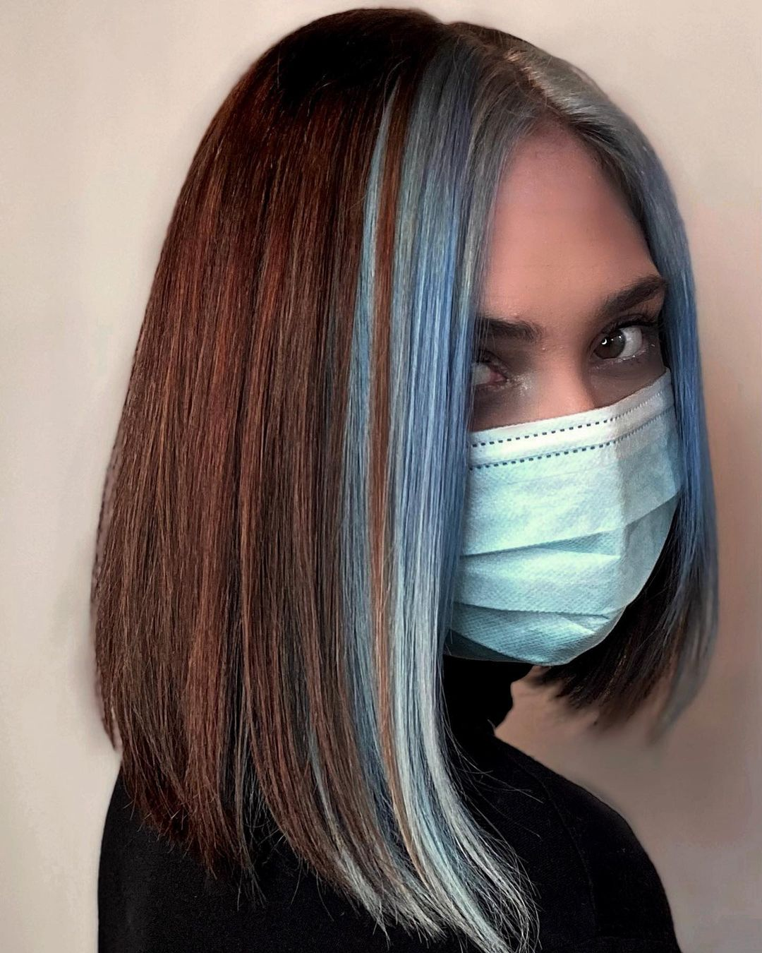 Brown Hair Bob with Blue Money Pieces