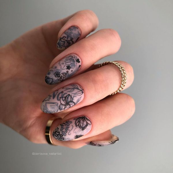 Fake Tattoo on Nails