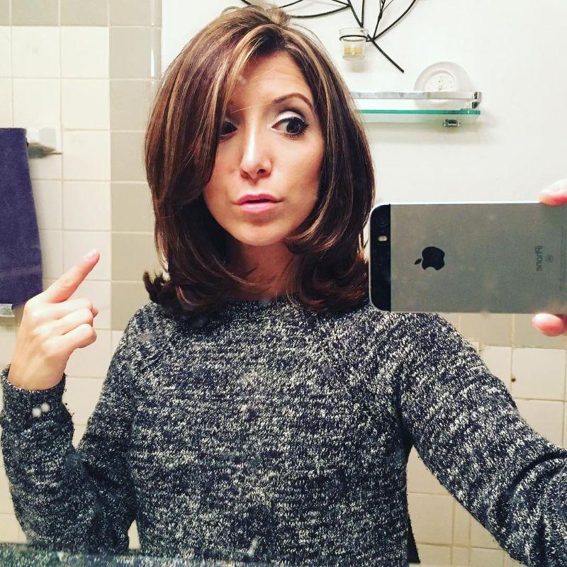 The Rachel Haircut Neck Length